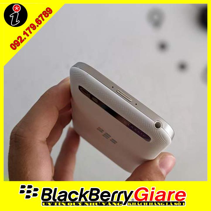 BlackBerry Classic Q20 Trắng