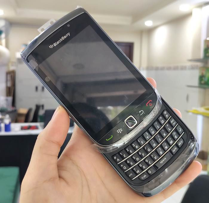 điện thoại BB Torch 9800
