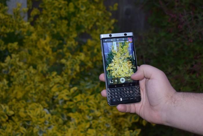 điện thoại Blackberry Key1